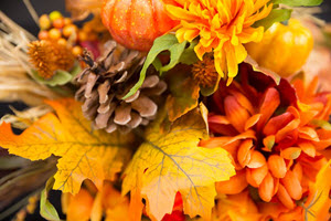 fall decor leaves pinecones flowers