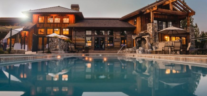 Luxury Colorado resort with pool